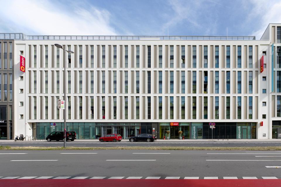 Aparthotel Adagio Köln FAY Projects GmbH