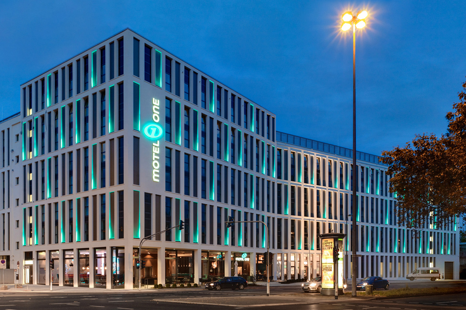 Motel One Köln FAY Projects GmbH